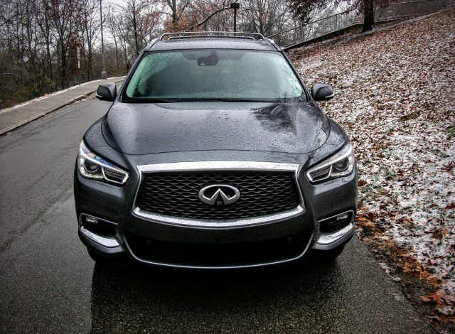 little tweaks add up to big changes in the 2017 infiniti qx60. Black Bedroom Furniture Sets. Home Design Ideas