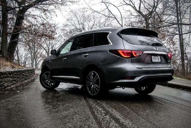 With its resculpted body lines, fresh tech updates, and more potent V6, Infiniti's midsize SUV is better than ever before