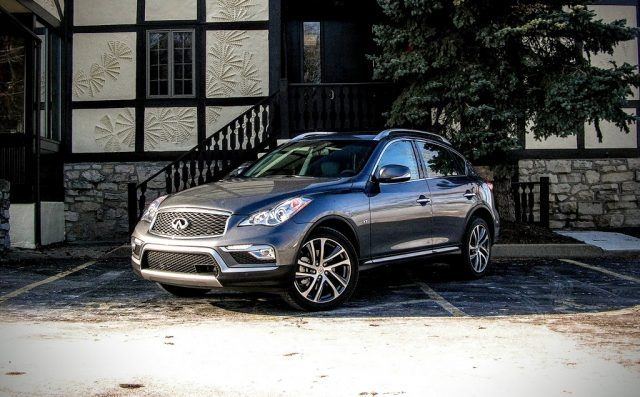 With its 19-inch split-spoke alloy wheels and smoothly carved quarter panels, the QX50 has ample amounts of curb appeal