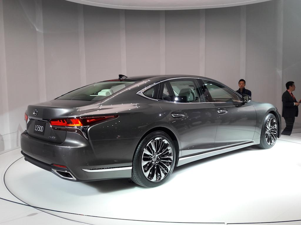 no more boring cars lexus goes bold with the ls500 luxury sedan. Black Bedroom Furniture Sets. Home Design Ideas