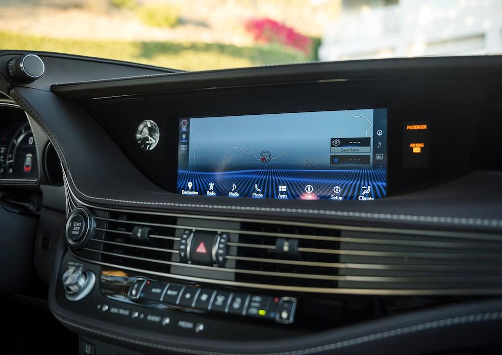 2018 Lexus LS500 infotainment system
