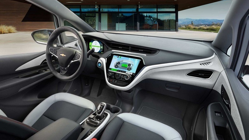 The 2017 Chevrolet Bolt EV's interior controls are straightforward