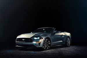 Ford Unveils the Face-lifted 2018 Mustang Convertible