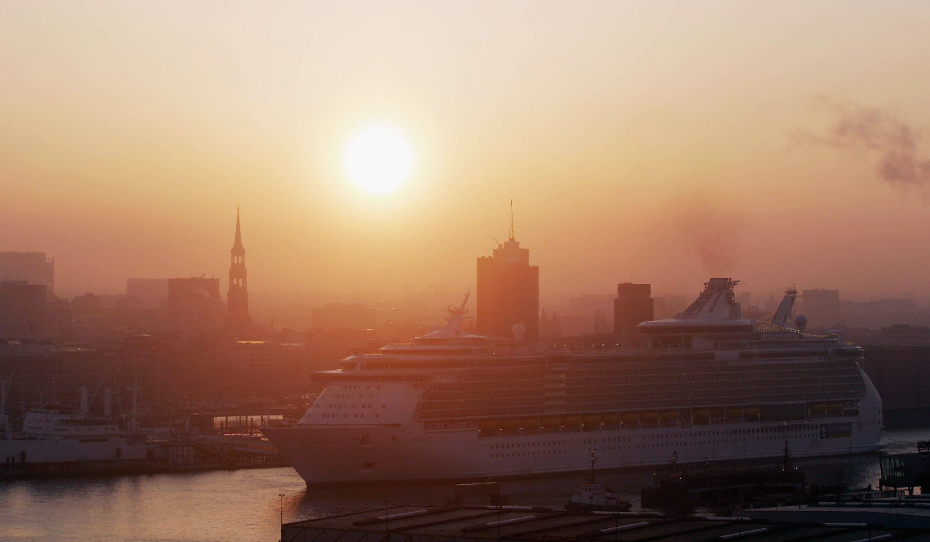 The Royal Caribbean's Freedom of the Seas cruise ship enters the docks of the Blohm & Voss shipyard