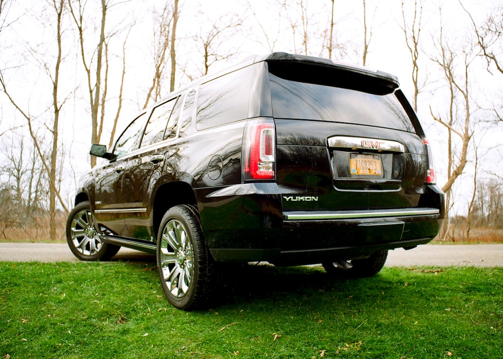 2017 gmc yukon denali all truck all luxury no compromises page 5. Black Bedroom Furniture Sets. Home Design Ideas