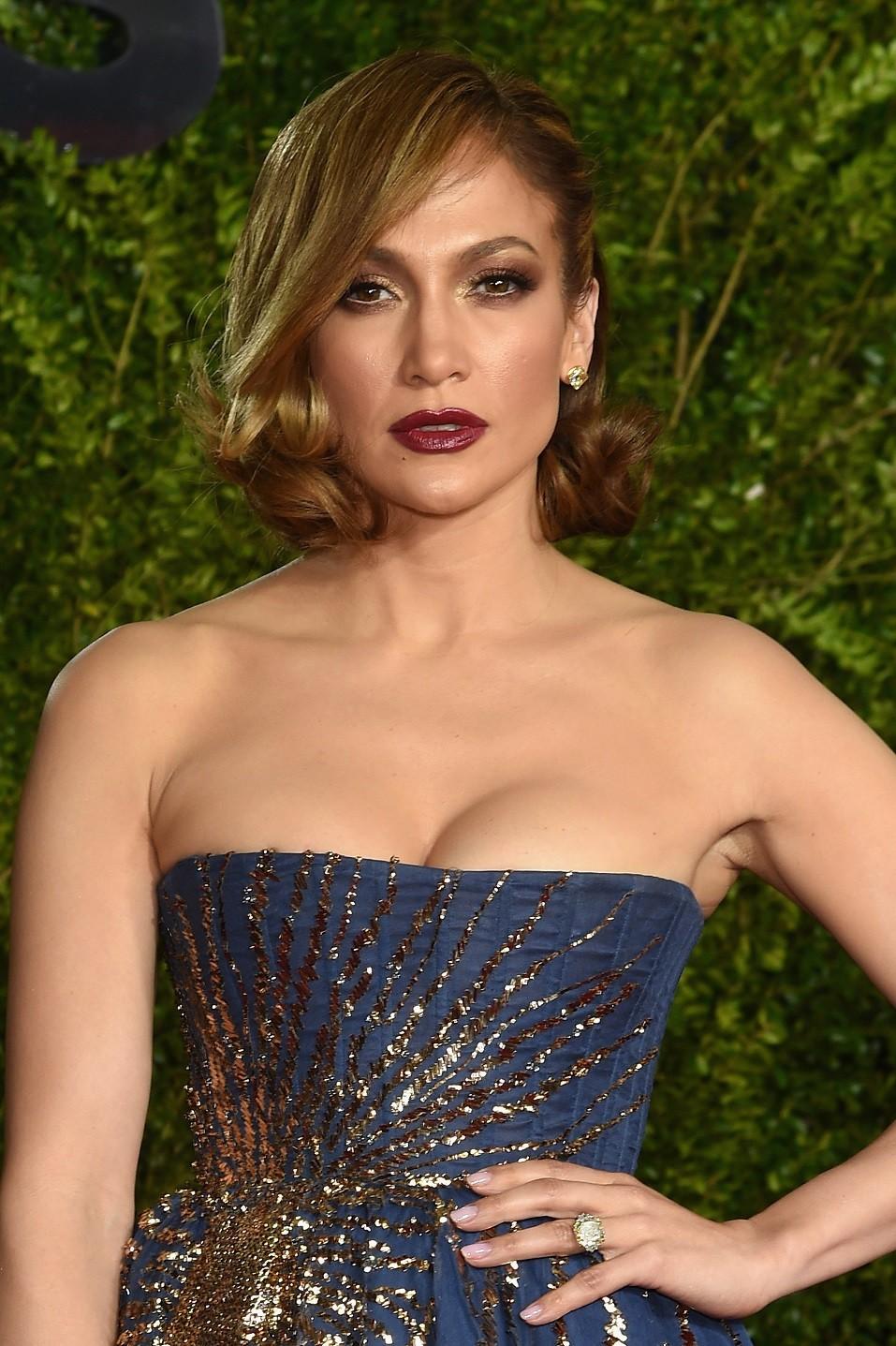 Jennifer Lopez attends the 2015 Tony Awards at Radio City Music Hall
