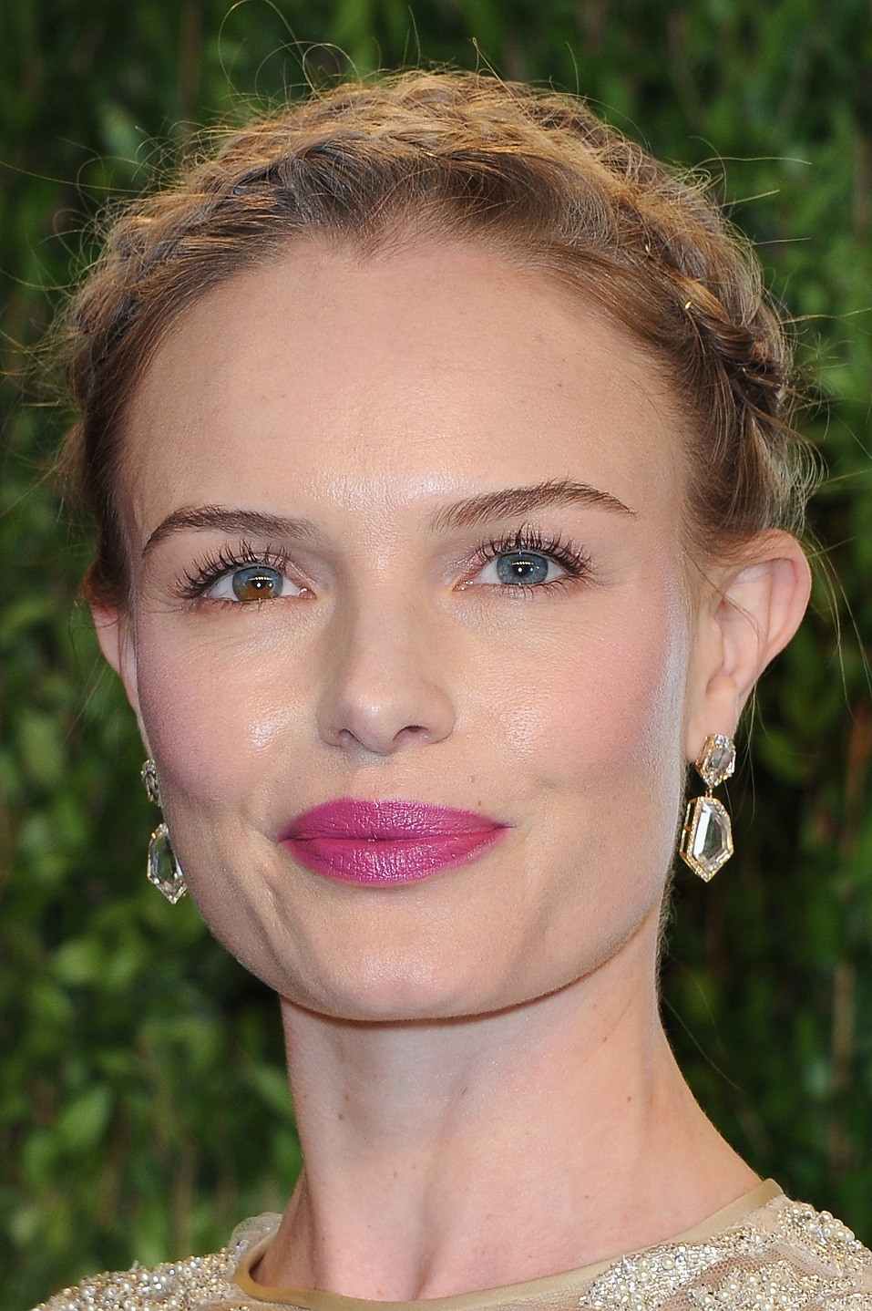 Actress Kate Bosworth arrives at the 2013 Vanity Fair Oscar Party hosted by Graydon Carter