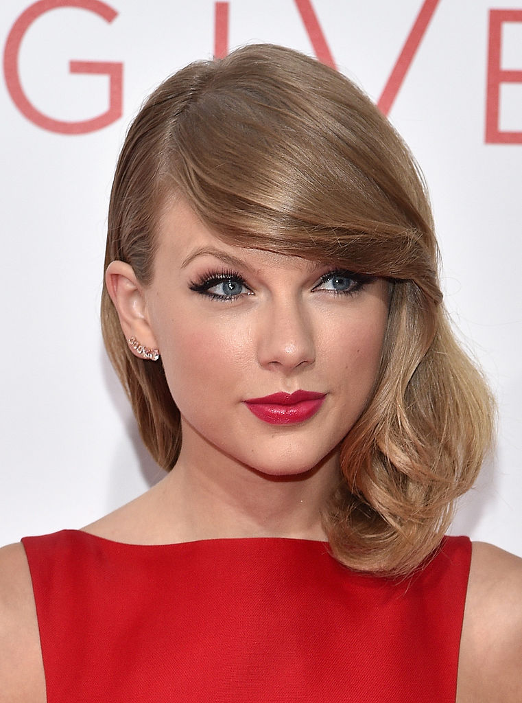 """Actress Taylor Swift attends """"The Giver"""" premiere"""