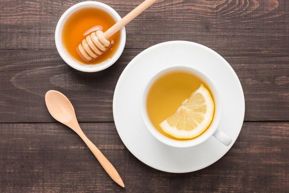 Tea with lemon and honey
