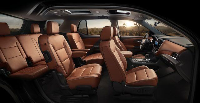 Spacious and supple, the leather interior on top-end models of the 2018 Chevy Traverse look absolutely outstanding
