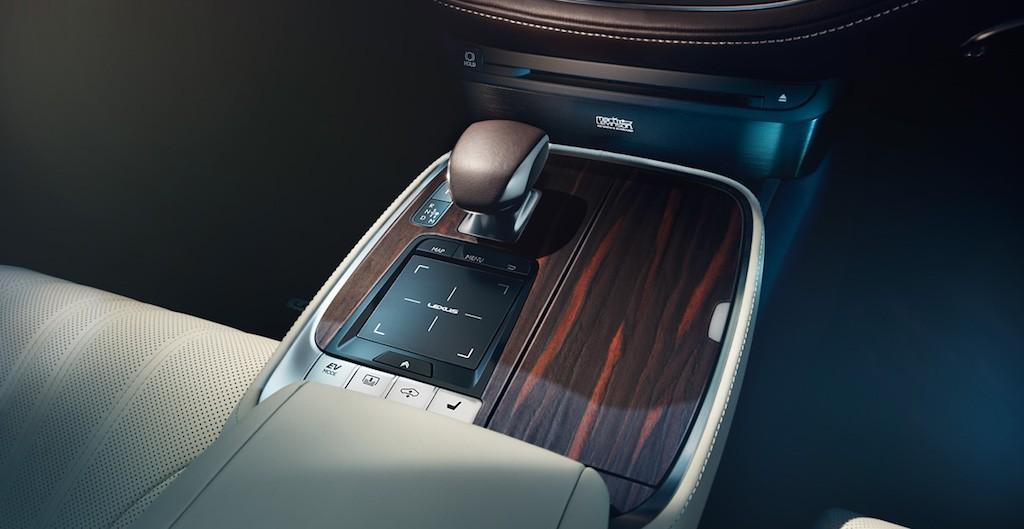 2018 Lexus LS 500 EV Mode button | Lexus