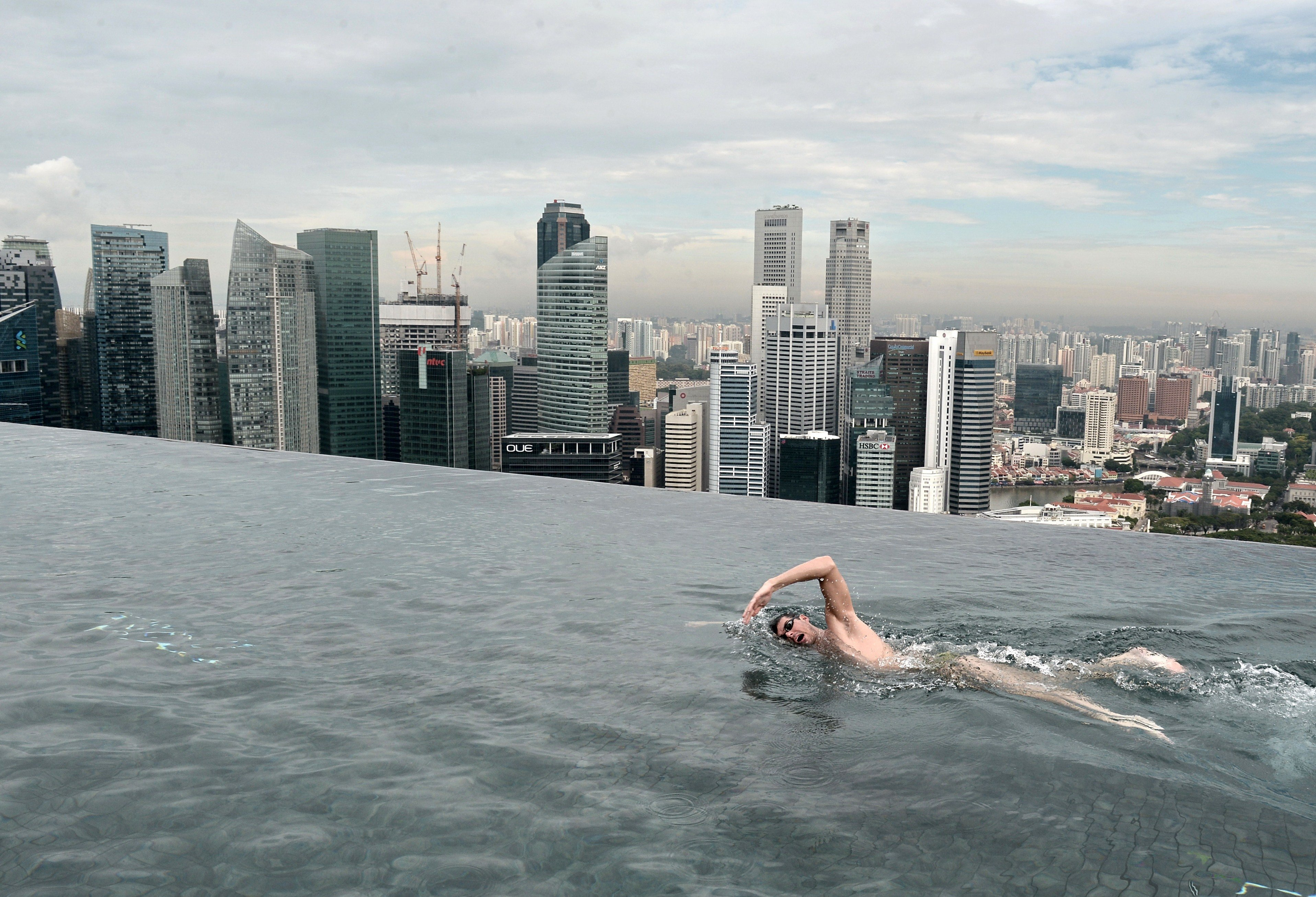 A rooftop swimming session in Singapore