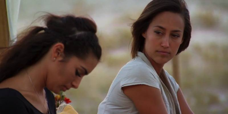 Kelsey Poe looking at Ashley I.
