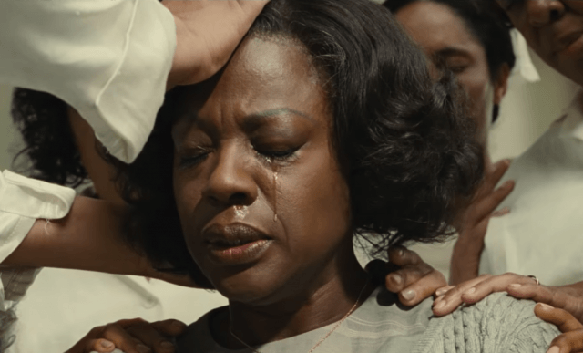 Rose (Viola Davis) in 'Fences'