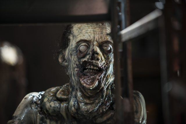 """A zombie with sagging skin in a scene from 'The Walking Dead' Season 5 episode, """"Strangers"""""""