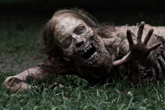 Hannah, in her walker form, from the pilot episode of 'The Walking Dead'