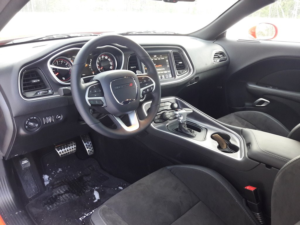 The dashboard of the 2017 Dodge Challenger GT