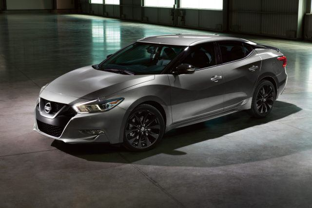 Topping the Maxima SR, the sportiest of five available 2017 Maxima grade levels, the 2017 version of the Maxima SR Midnight Edition includes black 19-inch Midnight Black aluminum-alloy wheels, a black rear spoiler, rear diffuser, and available Midnight Edition floor mats. The package is offered in a choice of Pearl White, Coulis Red, Gun Metallic and the original Super Black