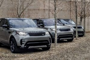 The New Land Rover Discovery Will Laugh at Anything You Throw at It