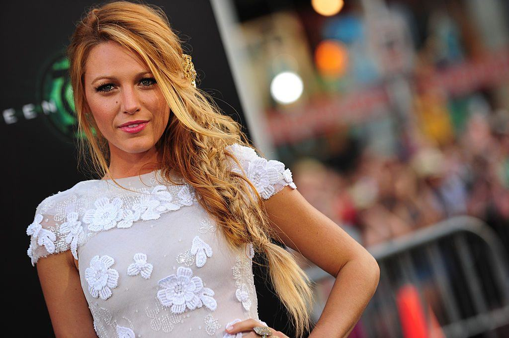 """Actress Blake Lively arrives at the premiere of """"The Green Lantern"""" at Grauman's Chinese Theatre"""