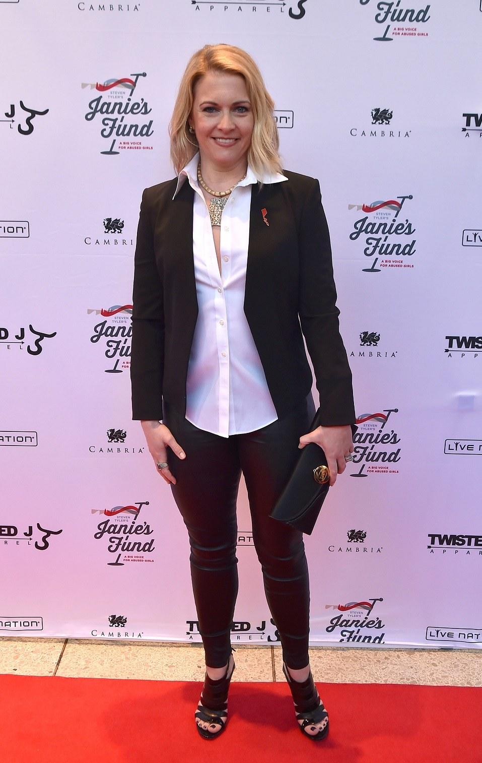 Actress Melissa Joan Hart attend Steven Tyler's Out on a Limb show