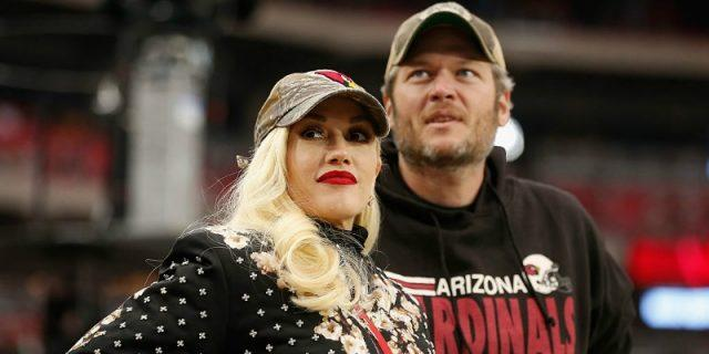Blake Shelton and Gwen Stefani during the NFL game at the University of Phoenix Stadium.