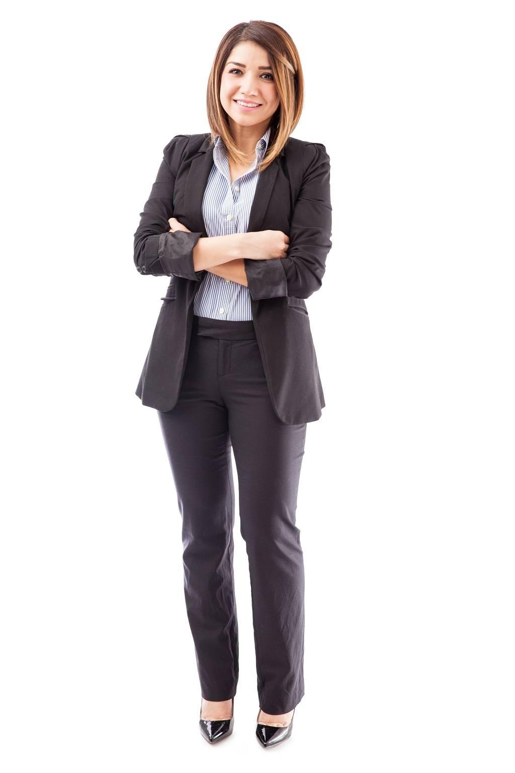 Hispanic salesperson wearing a suit