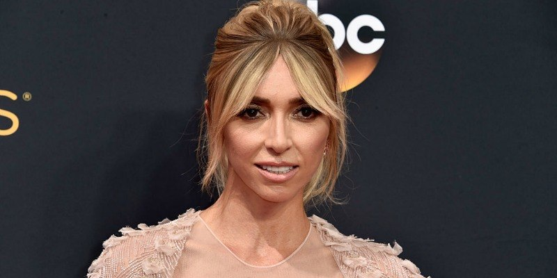 Giuliana Rancic poses on the red carpet.