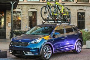 2017 Kia Niro Is the Kind of Hybrid We Can All Agree On