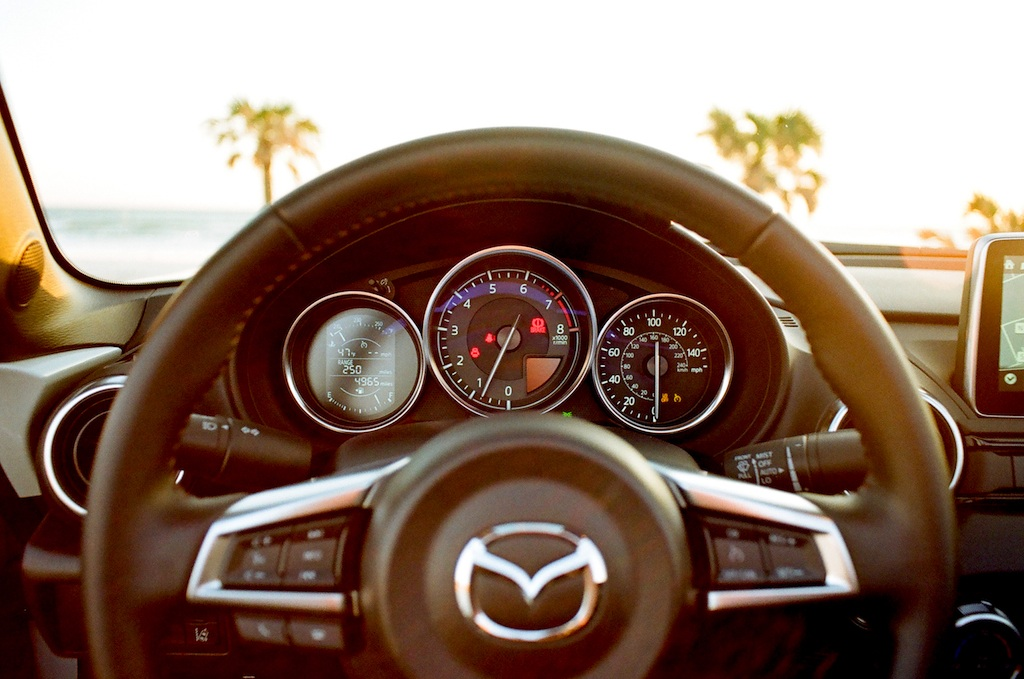 steering wheel of the 2017 Mazda Miata GT