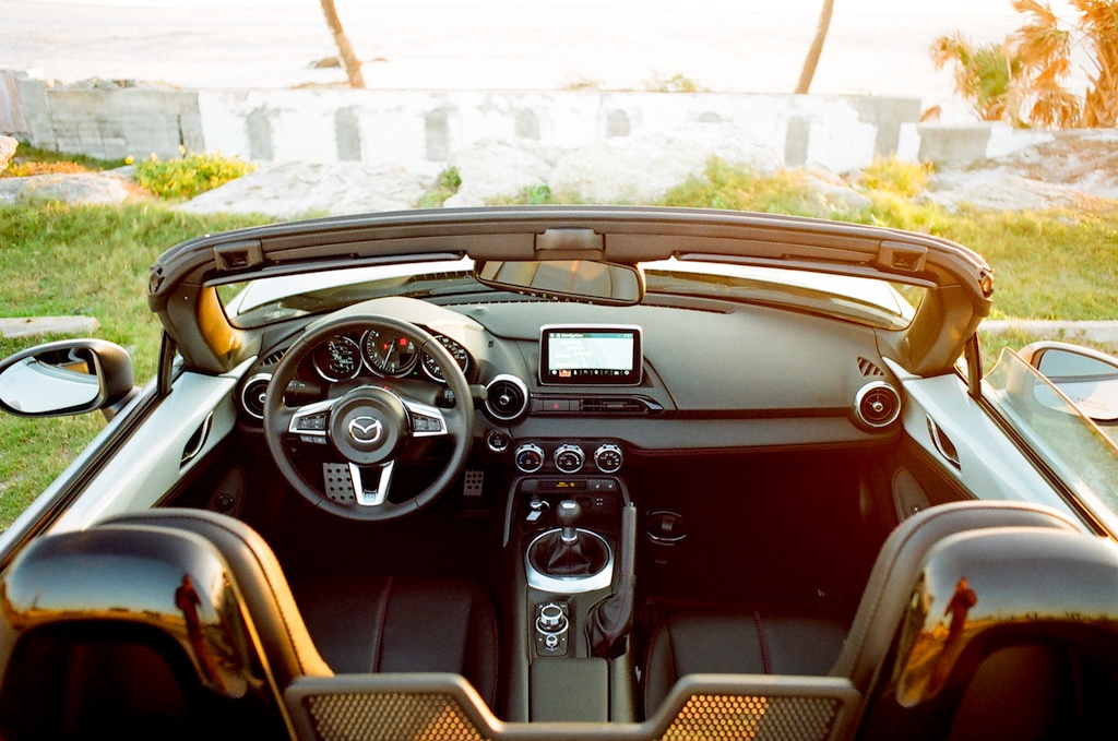 seats and dashboard of the 2017 Mazda Miata GT