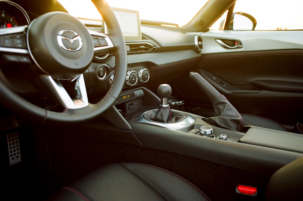 driver controls of the 2017 Mazda Miata GT