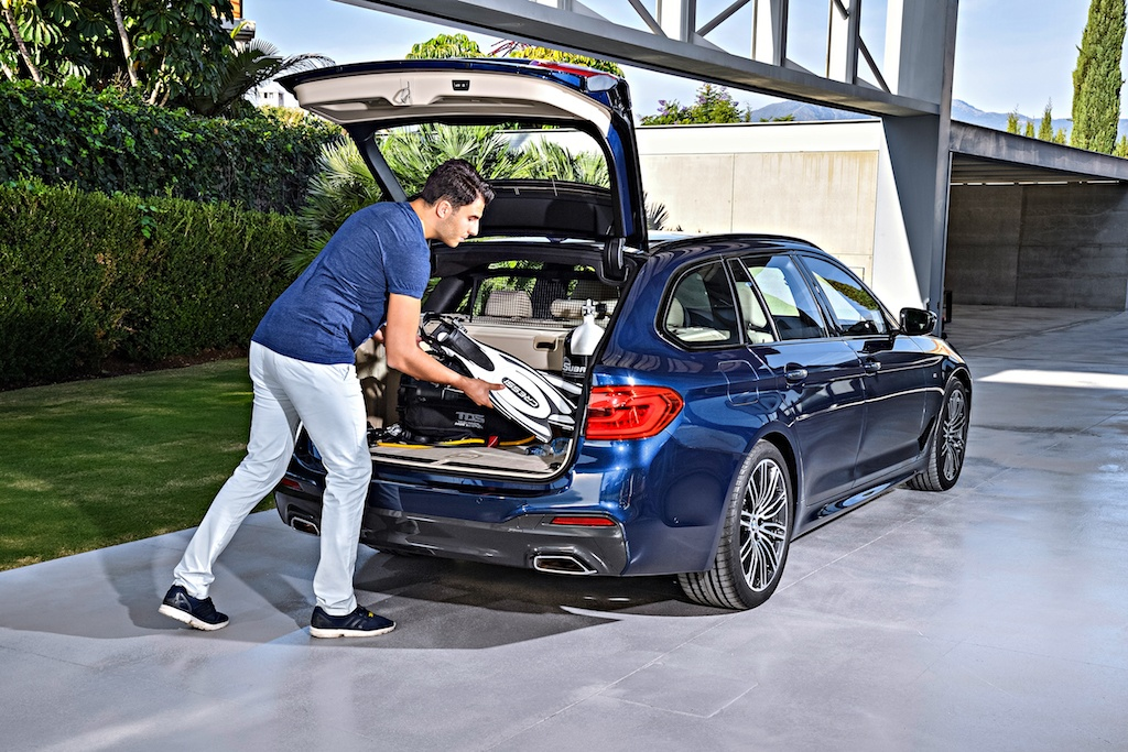 BMW 5 Series Touring   BMW