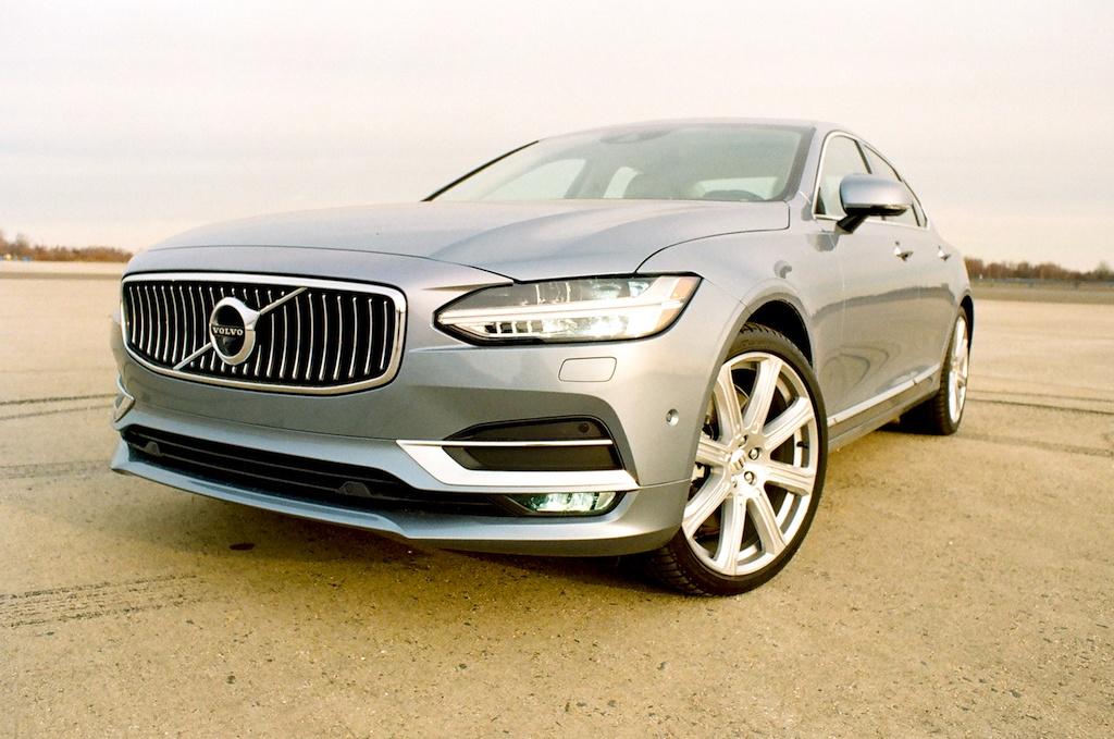 2017 Volvo S90 | James Derek Sapienza/Autos Cheat Sheet