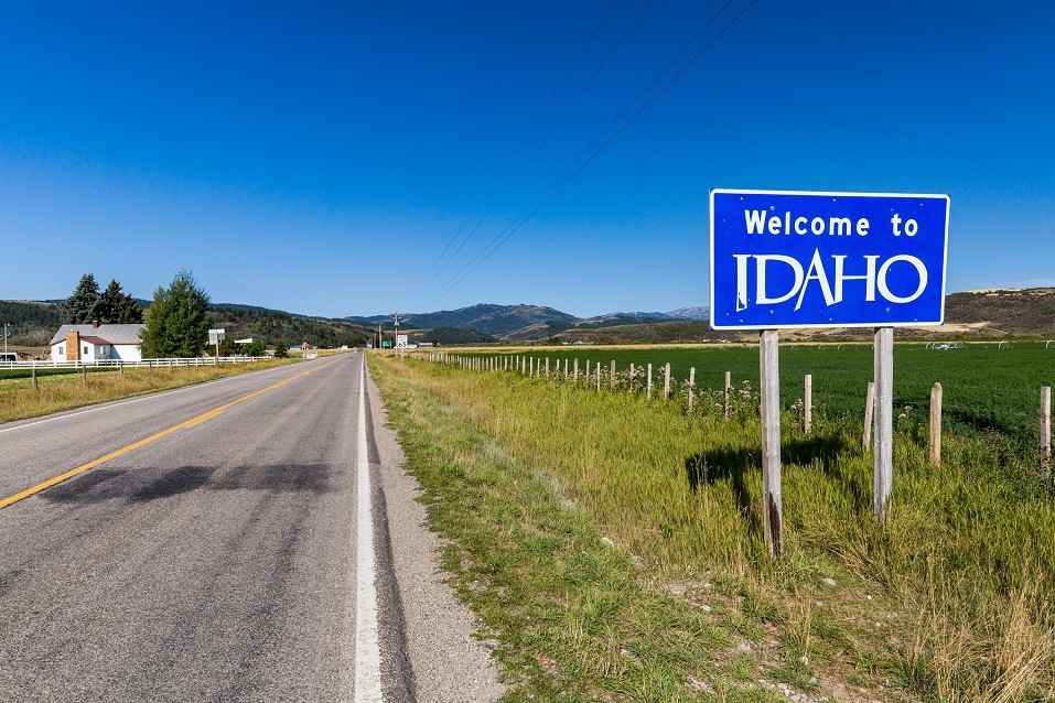 Welcome sign on the border to Idaho