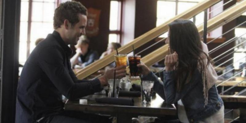 Nick Viall and Andi Dorfman at a restaurant on The Bachelorette