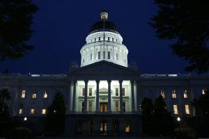 10 States That Pay Politicians the Highest (and Lowest) Salaries