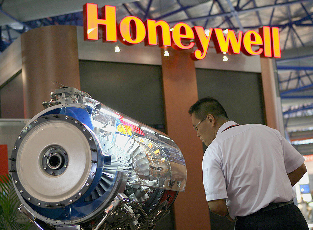 Honeywell aircraft engine model displayed at the Asian Aerospace 2006 show