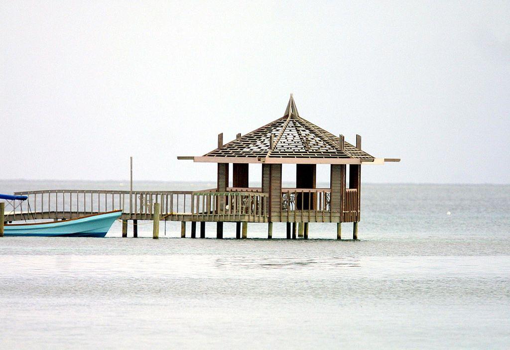 """beach on the """"West End"""" in Roatan, Honduras"""