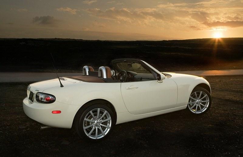 2006 MX-5 White