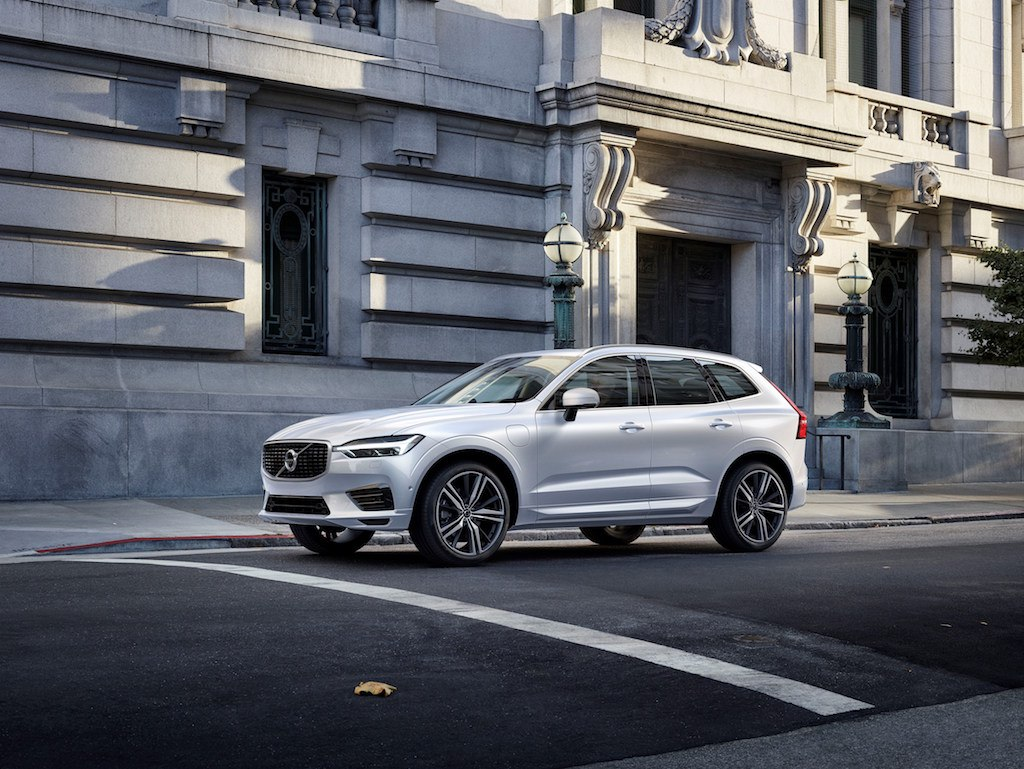Expect the all-new Volvo V60 to bear more than a passing resemblance to the new 2018 XC60