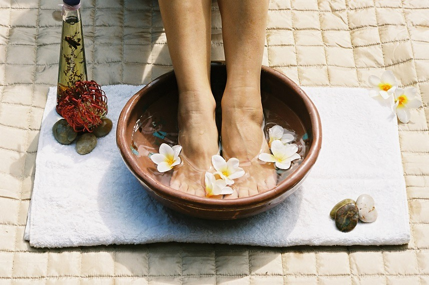 Aromatherapy foot soak