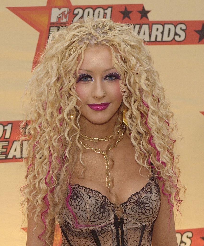 Music recording artist Christina Aguilera arrives at the 2001 MTV Movie Awards