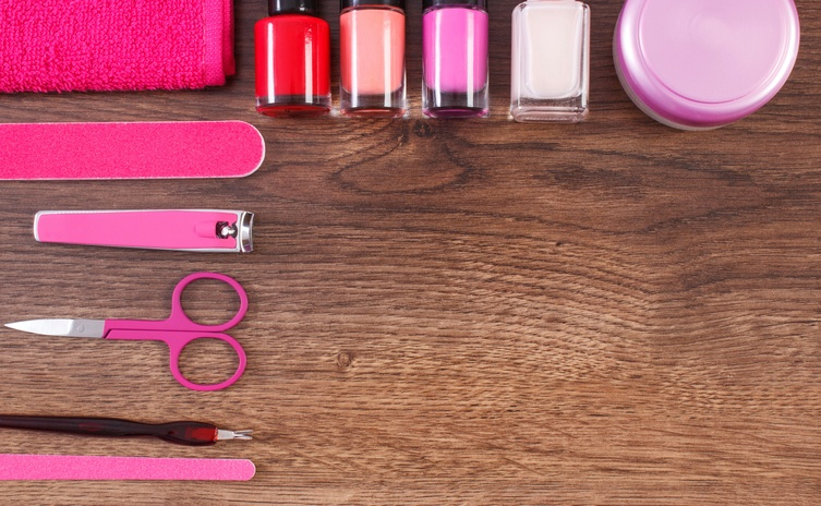 Cosmetics and accessories for manicure or pedicure | iStock.com/ratmaner
