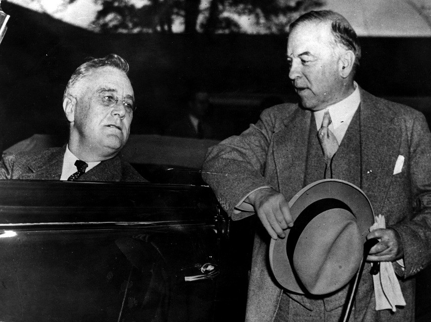 President Franklin Delano Roosevelt talks to Mackenzie King at Warm Springs, Georgia