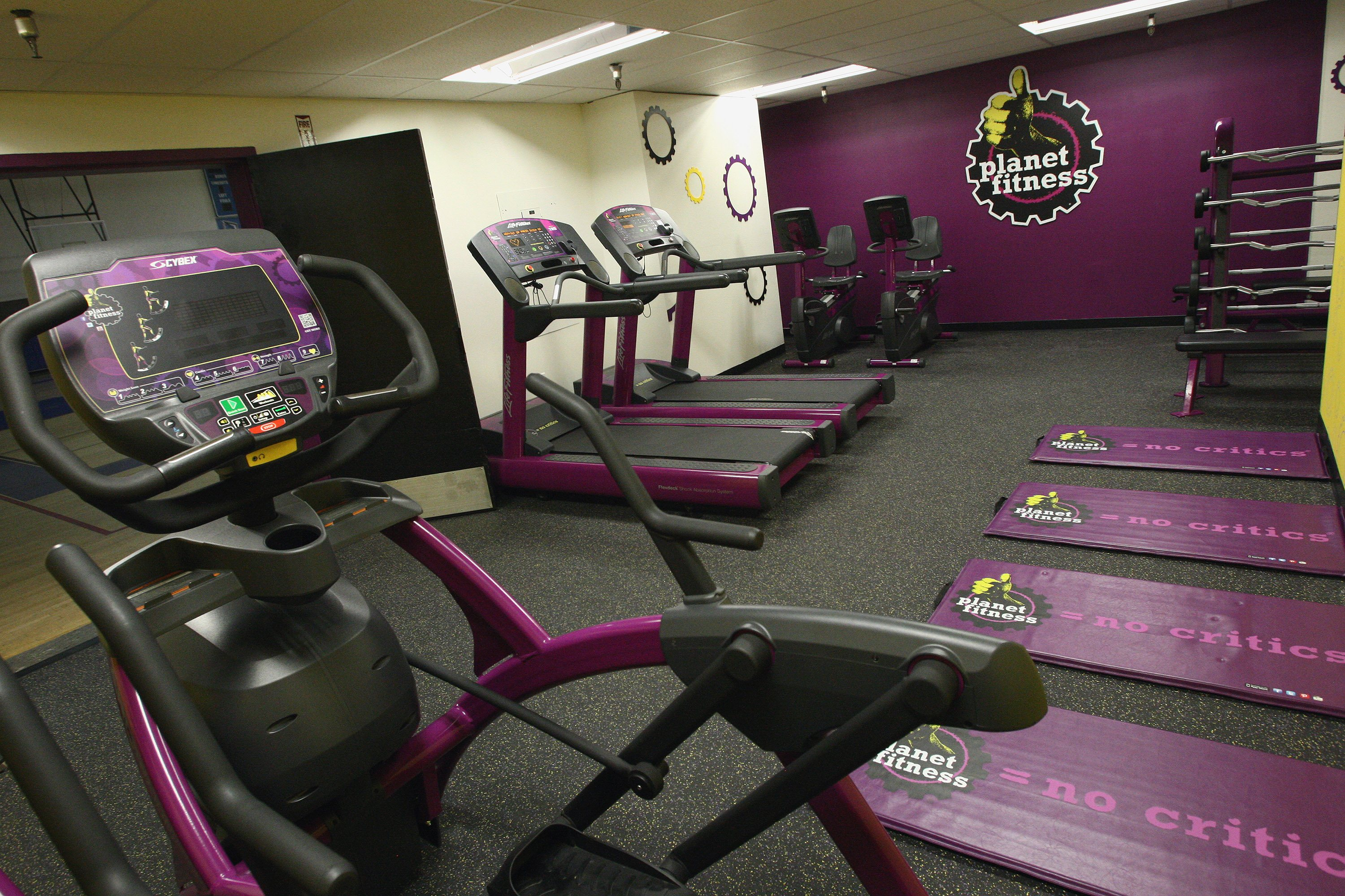 Inside of a Planet Fitness