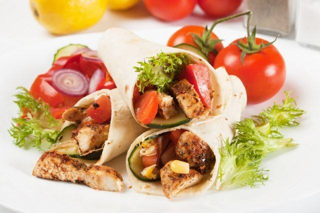 Grilled chicken meat and vegetable salad