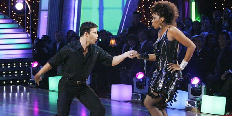 Macy Gray and Jonathan Roberts dancing in Dancing With the Stars.