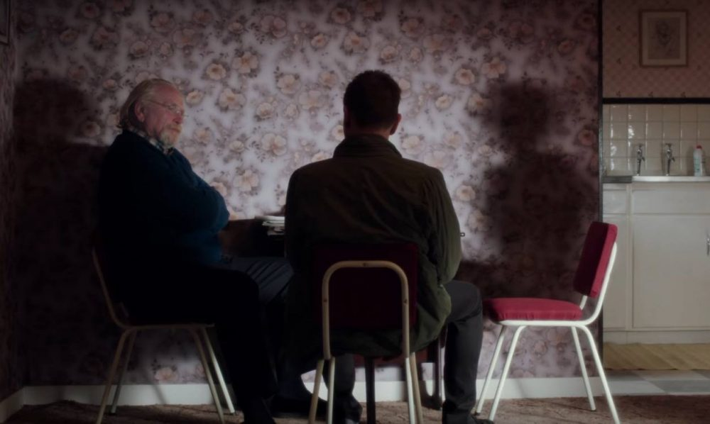 Mark comes home to his family in T2: Trainspotting