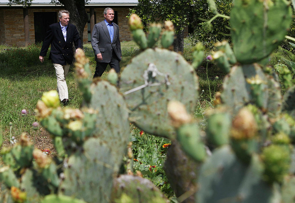 George W. Bush and Jaap de Hoop Scheffer arrive at Prairie Chapel Ranch in Crawford, Texas.